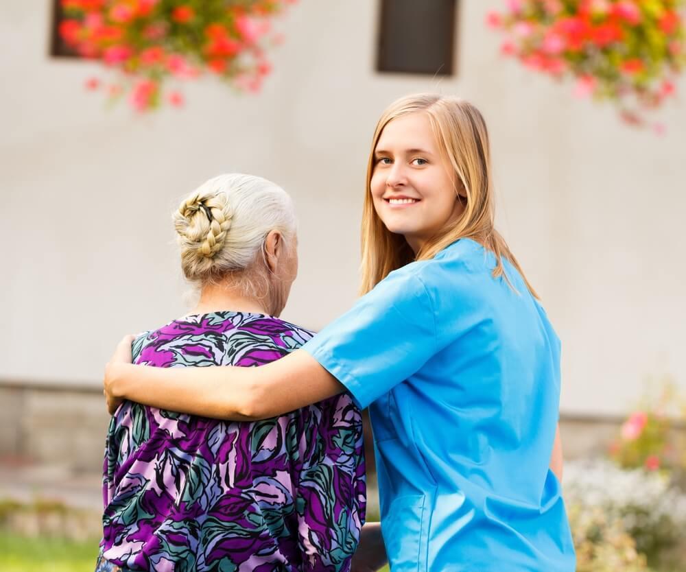 aide-soignant-en-emploi