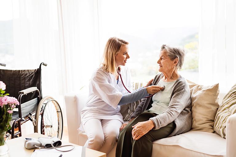 sante a domicile accompagnement de patient pour gagner en autonomie